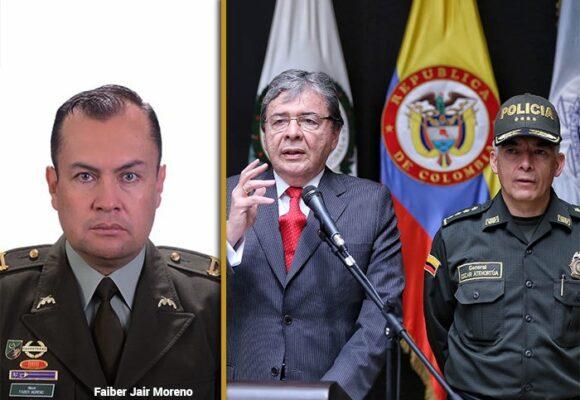 El mayor de la policía que puso contra las cuerdas a Mindefensa y el general Atehortúa