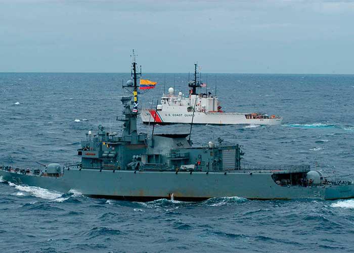 Con 500 navíos la Armada colombiana defiende ríos y mares