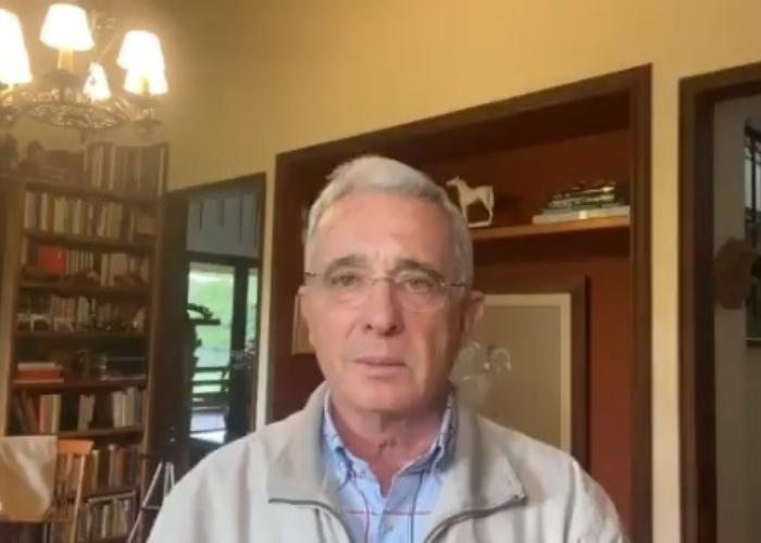 Uribe dice que sus congresistas no aceptarán subirse el salario