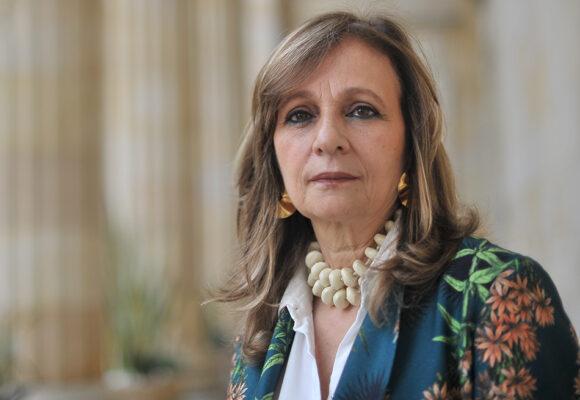 Furia petrista contra Angela Maria Robledo por renunciar a la Colombia Humana
