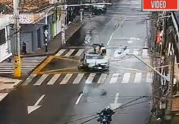VIDEO: Conductor borracho provoca brutal accidente en Bello, Antioquia