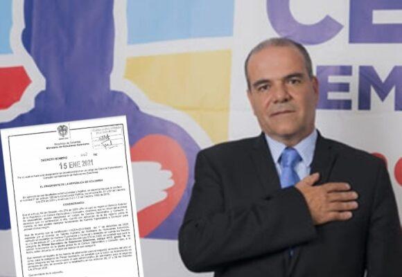 El senador uribista Carlos Felipe Mejía logró puesto para su hija en Nueva York