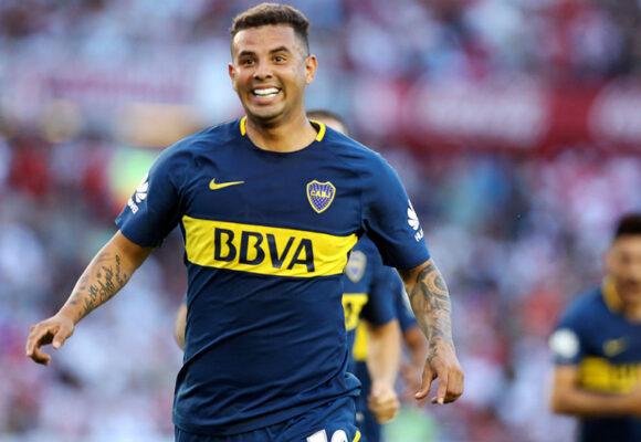 Edwin Cardona pone de rodillas a los argentinos