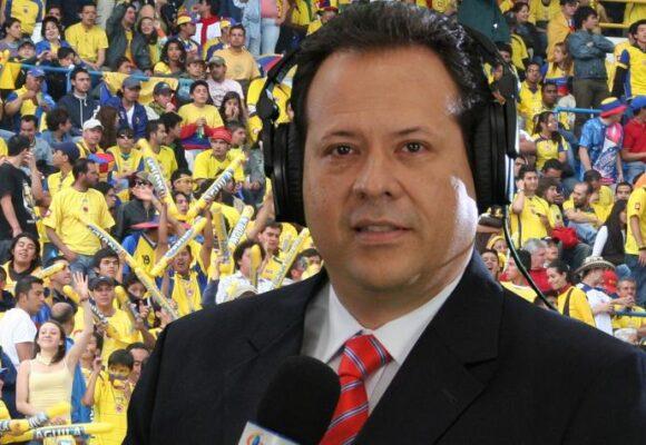 Parada de los médicos colombianos al cantante del gol