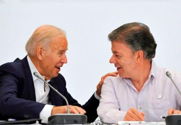 Juan Manuel Santos se quedó con los crespos hechos con la invitación de Biden