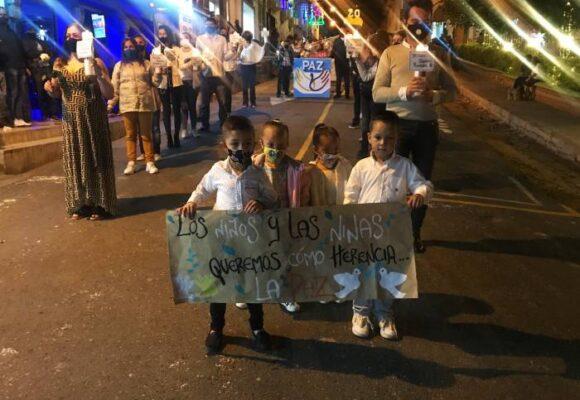 """""""Los niños quelemos la paz"""""""