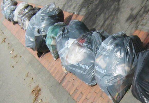 El descarado robo de los operadores de aseo a quienes separan basuras en casa