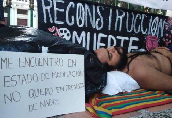 La huelga de hambre de Elías Lacouture por la reconstrucción de Bellas Artes de Uniatlántico