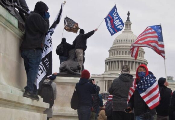 El asalto a la democracia