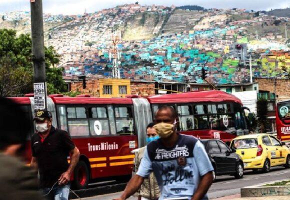 Perogrulladas: jóvenes en el limbo, una espiral de violencia silenciosa