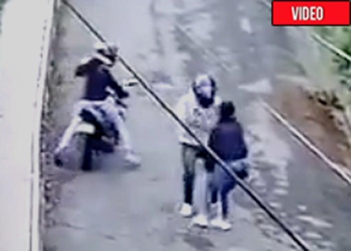 ¡Qué peligro ser mujer! Joven es atacada a cuchillo en Popayán