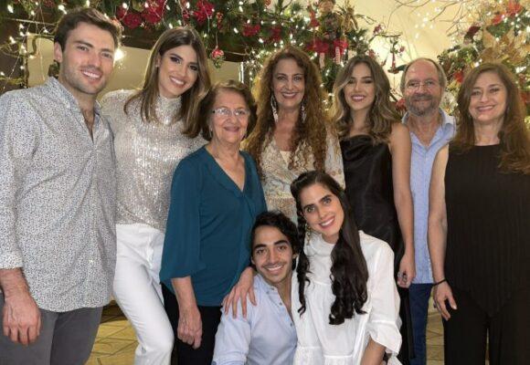 Así luce Esteban Santos como miembro de la familia de Gabriela Tafur