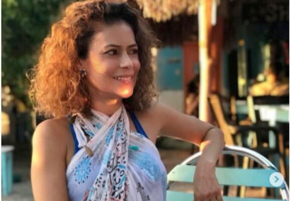 Adriana Ricardo; 50 años y sigue siendo una mamacita de Colombia