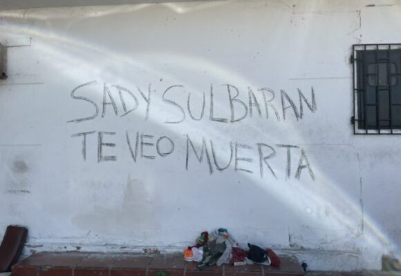 Con grafitis hombre amenaza de muerte a su expareja en Barranquilla