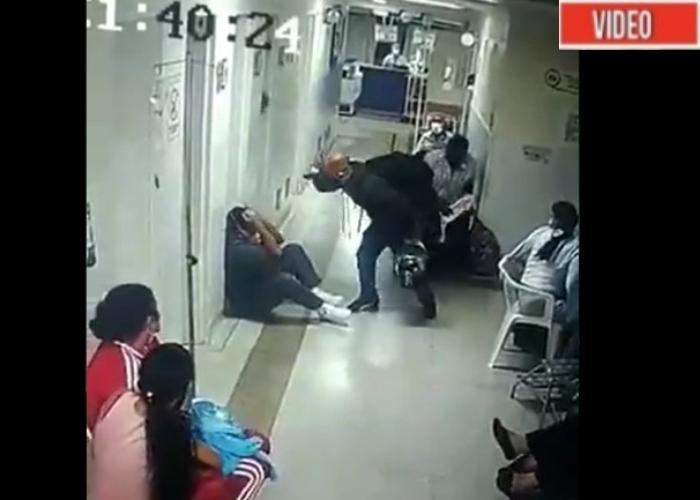 VIDEO: Brutal ataque de familiar de paciente a enfermero en Medellín