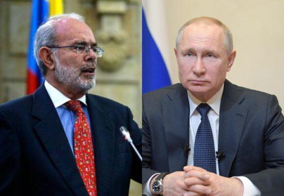 Los dos diplomáticos colombiano expulsadospor Putin siguen en la cancillería