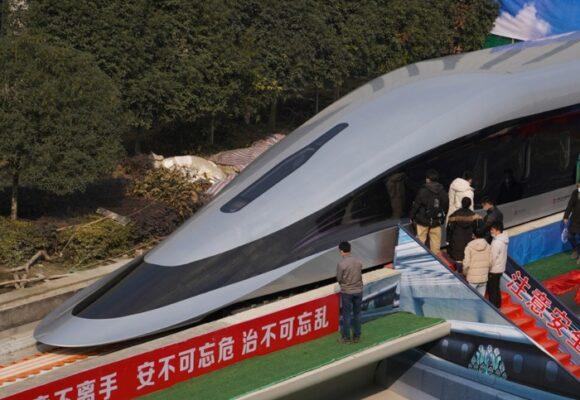 El tren bala chino: a 620 km por hora