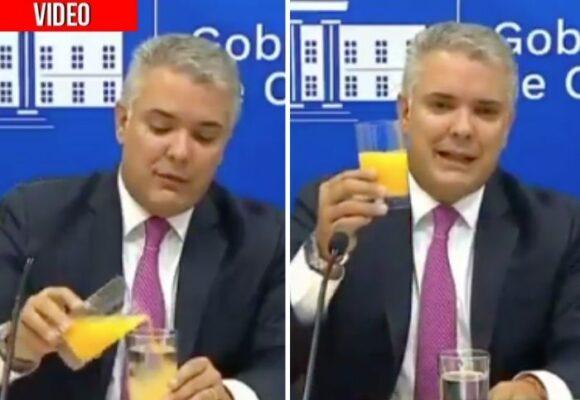 Explicar la Economía Naranja con un jugo de naranja: la última ridiculez de Duque