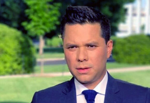 Los oyentes de la F.M le regalan insultos a Luis Carlos Vélez