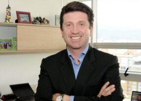 Diego Molano, otro uribista purasangre, al Ministerio de Defensa