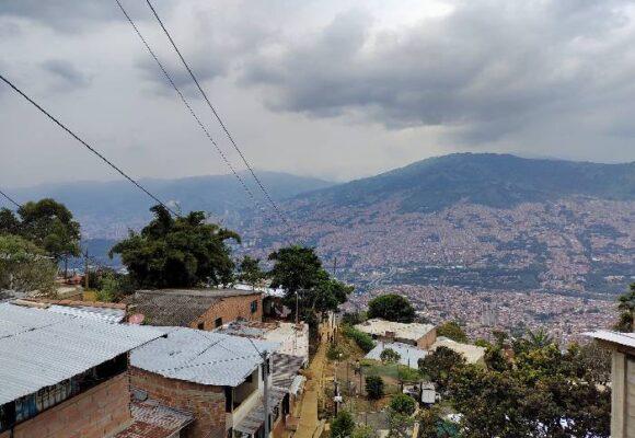 La revocatoria ya está trabajando en las calles de Medellín