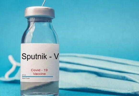 Y las vacunas rusas llegarán después de marzo