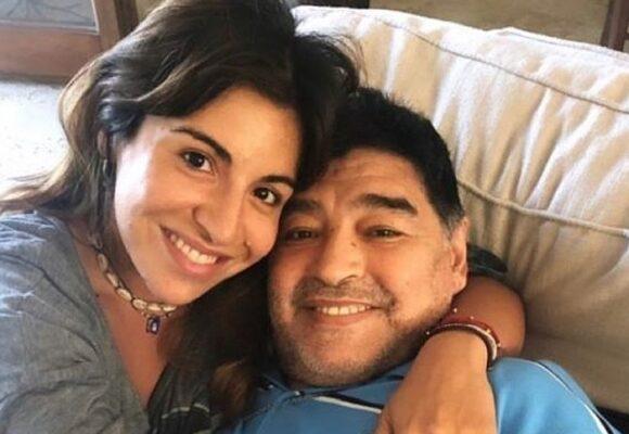 La hija de Maradona al borde del suicidio por culpa de los medios