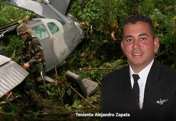 El piloto colombiano que, destruido por una granada, pudo aterrizar su avión