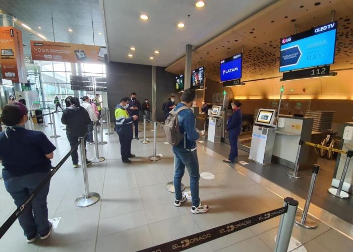 Pruebas PCR ya no serán necesarias para entrar a Colombia