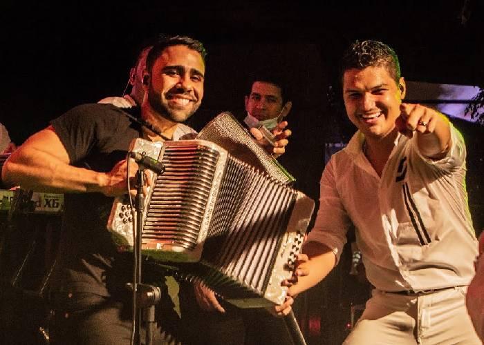 Elder Dayan y Lucas Dangond, la unión que le hace bien al vallenato -  Las2orillas