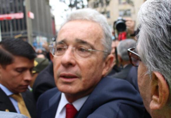¿Y si Uribe cambia presidente por perdón?