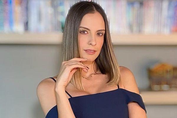 Laura Acuña de presentadora a Peluquera