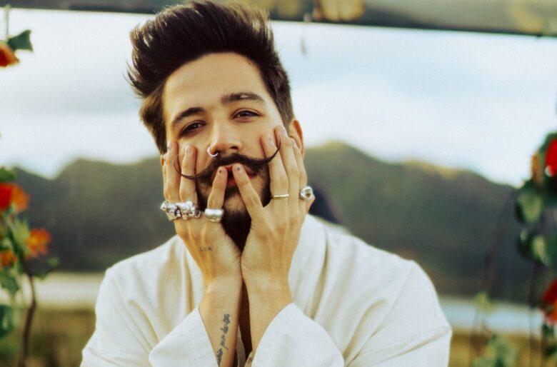 Camilo les cierra la boca a sus críticos con la belleza de su nuevo álbum