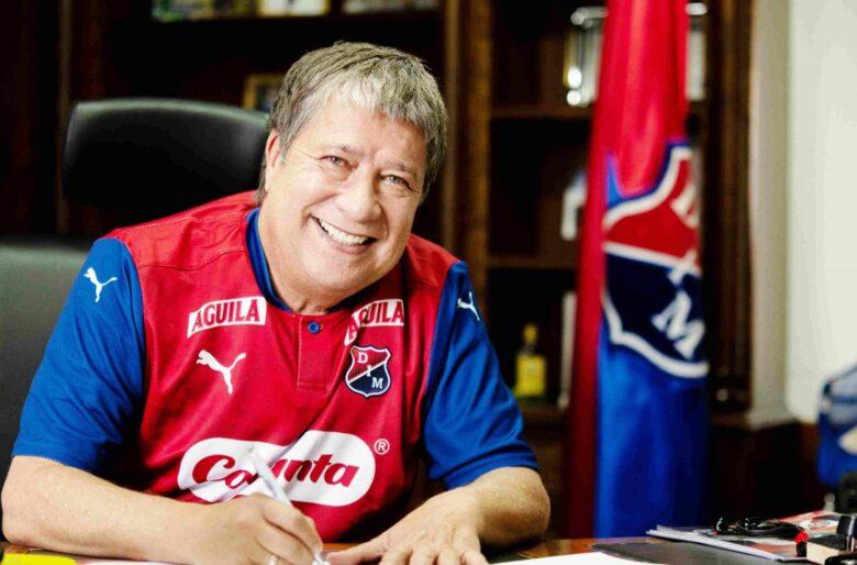 La cobardía de Bolillo Gómez fue el puñal que mató al Medellín
