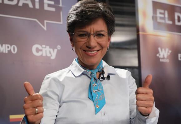 Palo a Claudia López por atribuirse obra que no es de ella