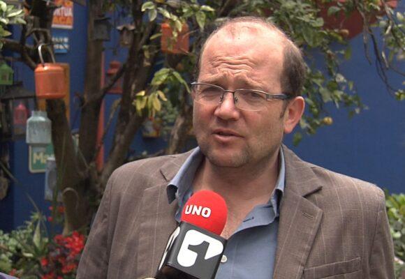El Cholo Valderrama pone en evidencia el humor elitista de Daniel Samper Ospina