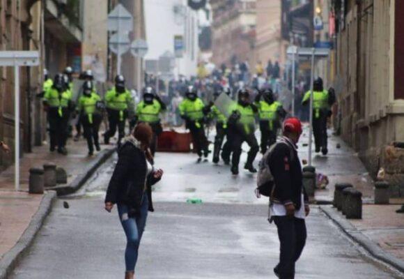 ¿Por qué siguen las protestas? ¿Acaso los manifestantes son suicidas?