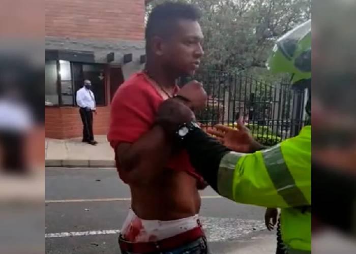 VIDEO: Ensangrentado y fuera de control, así encontró la Policía a Guarín