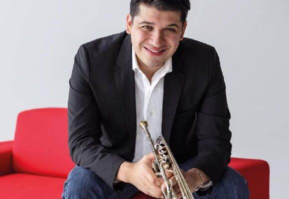 Pacho Flores, el trompetista venezolano, se estrena con la Orquesta Filarmónica de Bogotá