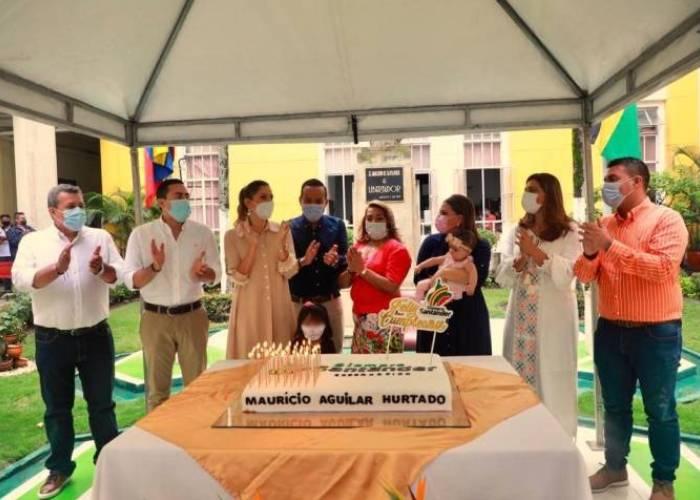 ¿Eucaristía, pastel y mariachis en la Gobernación de Santander?