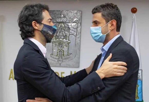 El alcalde de Medellín culpa al uribismo por renuncia de gerente de EPM