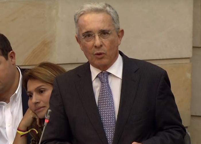 Ahora Álvaro Uribe quiere pasar por ser el salvador del cine nacional