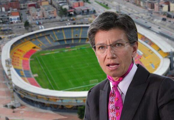 Cerrar los estadios: la ridícula medida de Claudia que no frenará los contagios