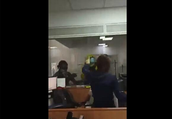 VIDEO: El despiadado ataque a empleados de un banco en Cali