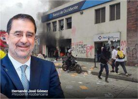 Cien entidades bancarias de Cali atacadas en la protesta que se desbordó