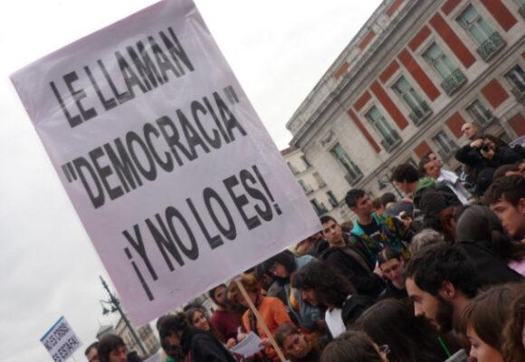 Democracia enferma y mentirosa