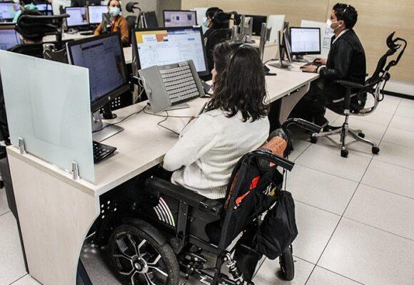 En el corazón del centro de emergencias de Bogotá: 30 mil llamadas diarias