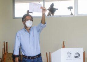 El banquero Guillermo Lasso logra la presidencia del Ecuador