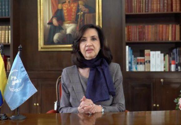 Se acabó el misterio: renunció la canciller Claudia Blum