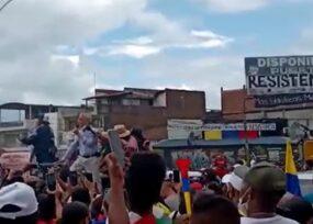 El padre Francisco de Roux llega a Puerto Resistencia en Cali